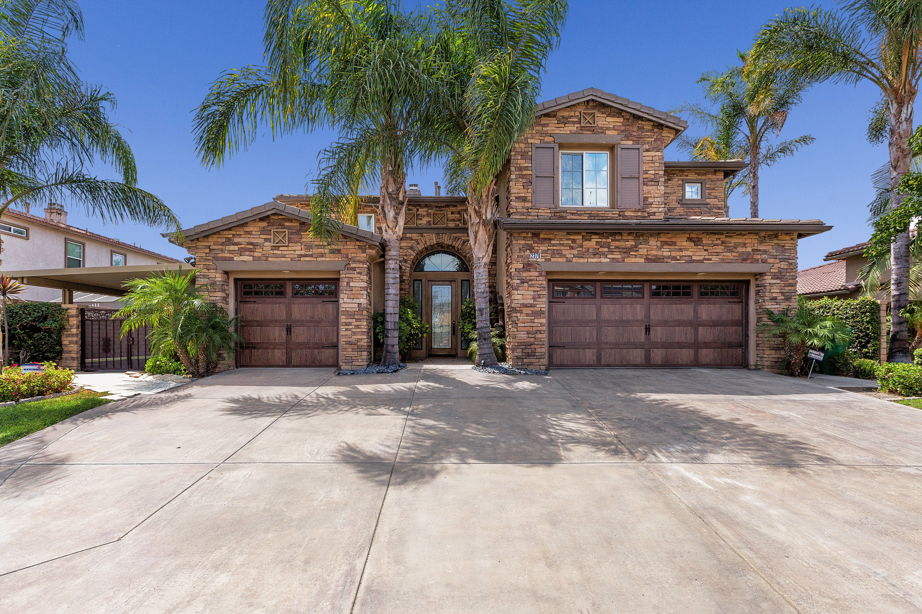 2370 Toulouse Circle, Corona, CA 92882