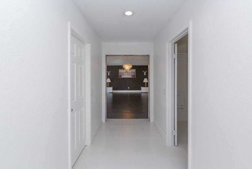031_Master Hallway